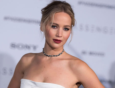 Jennifer Lawrence still lives in fear of her nude images being leaked