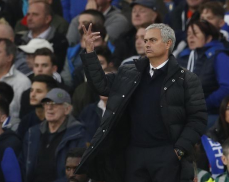 Mourinho blames 'incredible mistakes' for United's rout at Chelsea