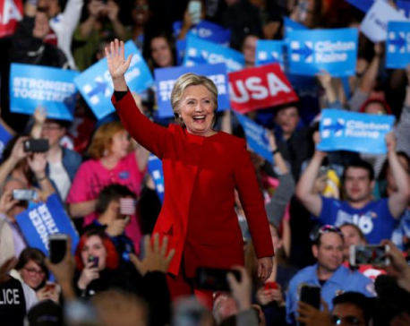 Clinton has 90 percent chance of winning: Reuters poll