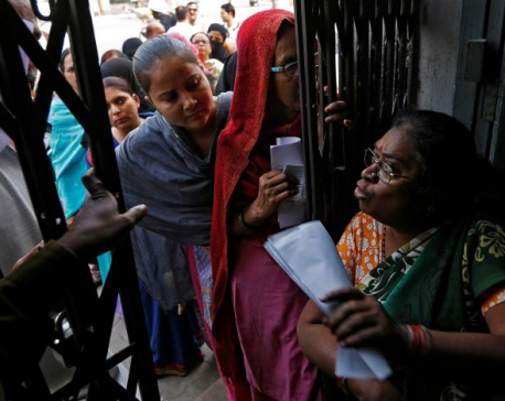 Anger rising in India as banks slow to dispense cash to millions