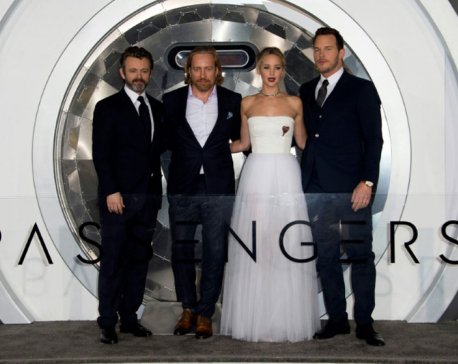 Jennifer Lawrence, Chris Pratt together at last, but critics pan 'Passengers'