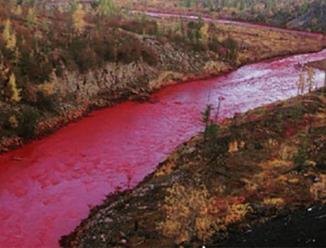 Russia starts investigation after river turns blood red