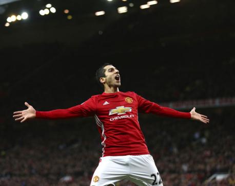Mkhitaryan masterpiece keeps Man United rolling in EPL