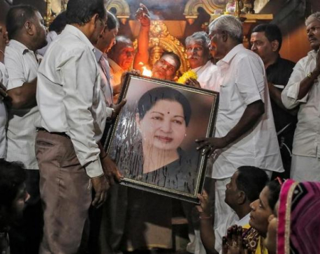Hospital says Jayalalithaa still on life support, denies reports of death