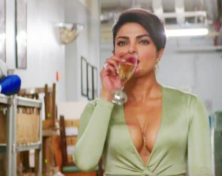 Priyanka Chopra sizzles in new Baywatch trailer