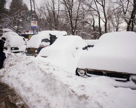 Avalanche kills 13 people in Pakistan's north