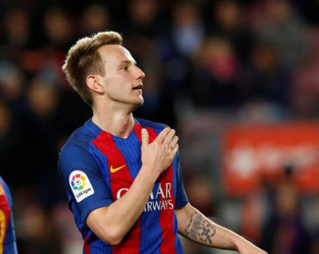 Barca run riot before coach bombshell, Real falter