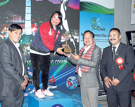 Tara Devi Pun betters her national record, wins strongest woman title