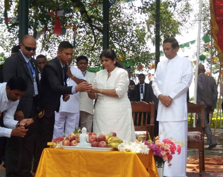 Sri Lankan prez Sirisena offers prayers at Lumbini