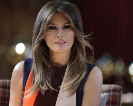 Melania Trump shows independence at key moments