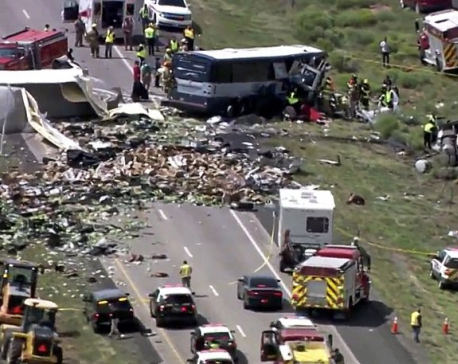 At least 7 killed in head-on bus crash in New Mexico