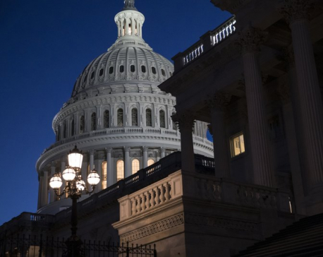Federal shutdown begins after lawmakers fail to reach deal