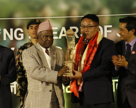 Bardiya's CDO Kurumbang bags Integrity Nepal Idol title