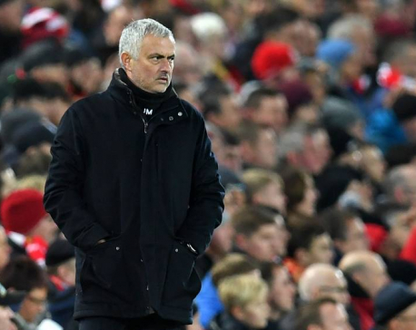 Mourinho leaves United after poor start to season