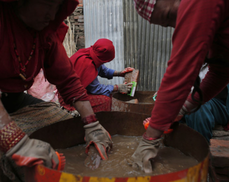 Tired of the cold wait, Nepal quake survivors rebuild