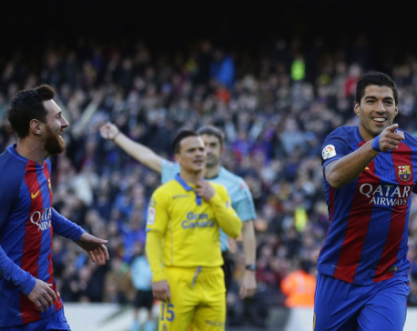 Messi and Suarez score as Barcelona routs Las Palmas 5-0