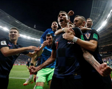 Mandzukic sends irrepressible Croatia into first World Cup final
