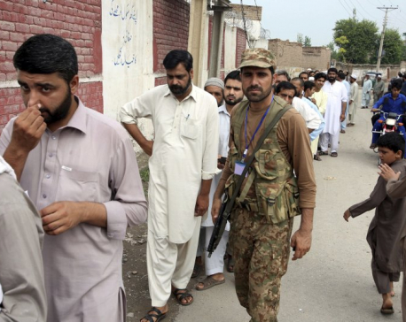 Suicide blast kills 31 as Pakistan holds general elections