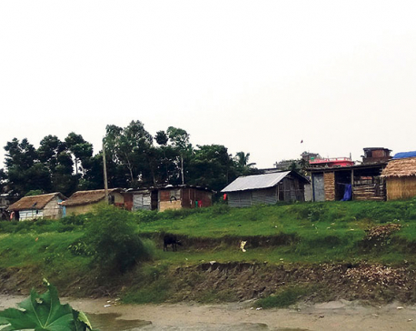Squatters re-encroach Chatara Canal land