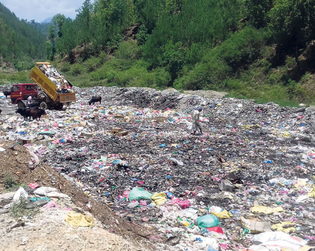 Riverbank turns into dumping site in Sandhikharka
