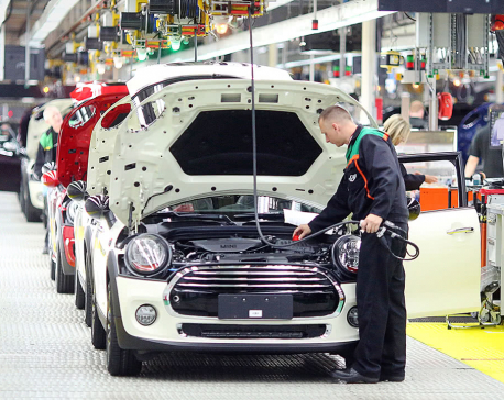 Brexit halves new investment in British car industry, auto industry lobby