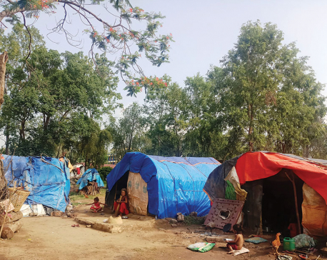 Flood victims still awaiting under tents for relief