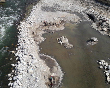Authorities reluctant to control extraction of river products