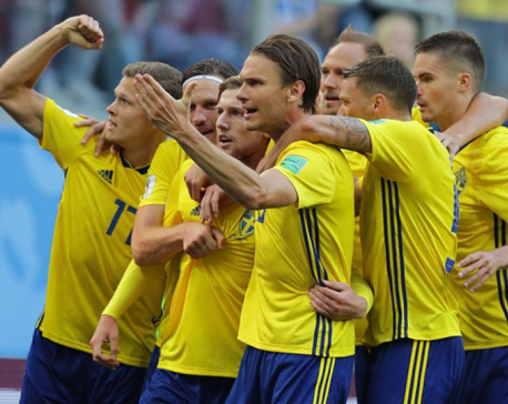 Scrappy Swedes edge Swiss 1-0 to reach quarter-finals