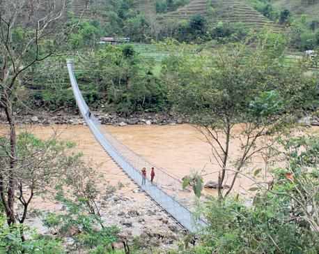 Bridges replace Dhading's risky tuins