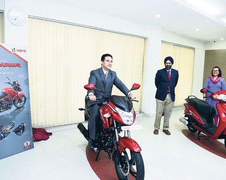 Hero MotoCorp launches Glamour, Duet