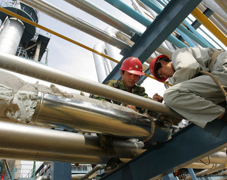 Oil prices retreat amid OPEC concerns, looming China duties
