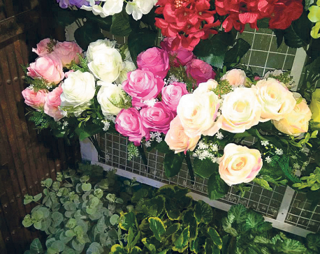 Country imports artificial flowers worth Rs 335 million