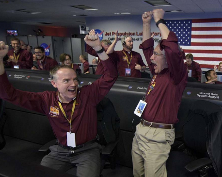 Mars touchdown: NASA spacecraft survives supersonic plunge