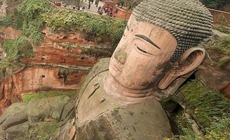 China to Repair Giant Buddha