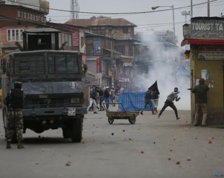 Fighting in Kashmir's main city leaves 3 combatants dead