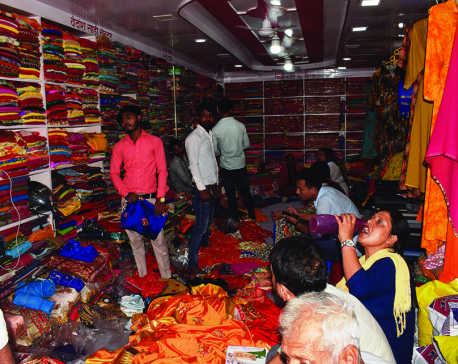 Indian border markets chock-a-block with Nepali Dashain shoppers
