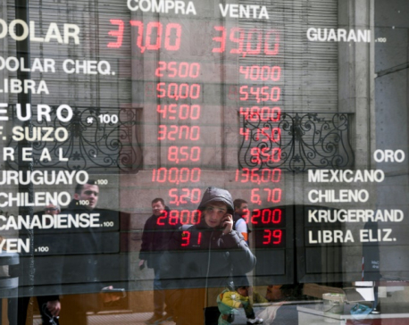 Fragile Argentina placing faith in IMF meeting