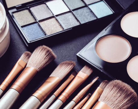 Beauty products with mixed chemicals can harm women's reproductive hormones