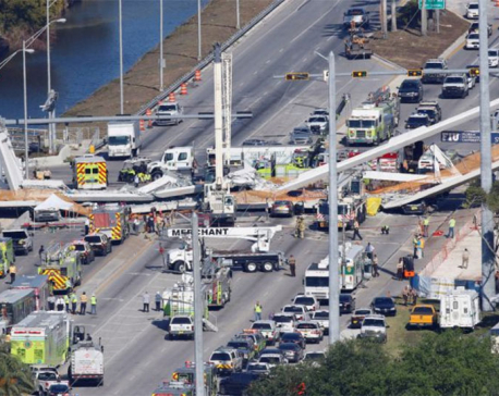 Florida foot bridge collapse leaves four people dead