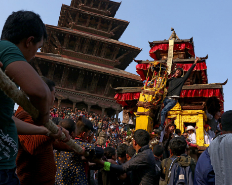 Scores throng Bhaktapur to observe historic Bisket jatra