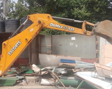 Amid public pressure, KMC dismantles illegal structures built at Khullamanch