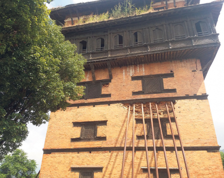 Four years on, historical sites still covered in scaffoldings