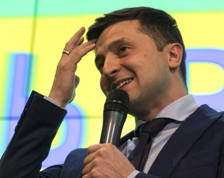 Comedian leads Ukraine presidential vote, runoff in 3 weeks