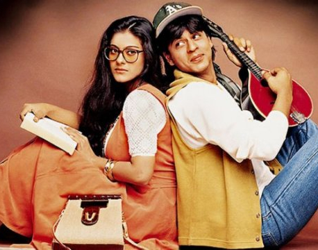 Anupam Kher, Shah Rukh Khan's cute Twitter banter will remind you of 'DDLJ' days!