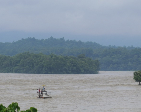 Extraction of river products from Narayani river continues unabated