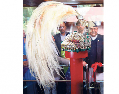 Crown, scepter continue to draw crowds to Narayanhiti museum