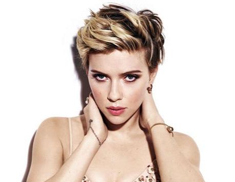 Scarlett Johansson seeks police following paparazzi scare