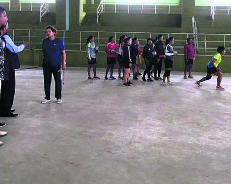 Handball players training without jerseys