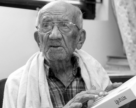 Veteran litterateur Dixit no more