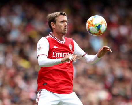 Monreal leaves Arsenal for Real Sociedad